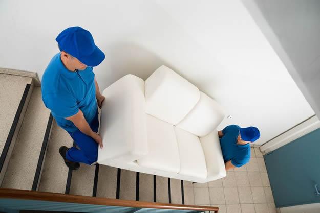 Költöztetés bútorszállítás