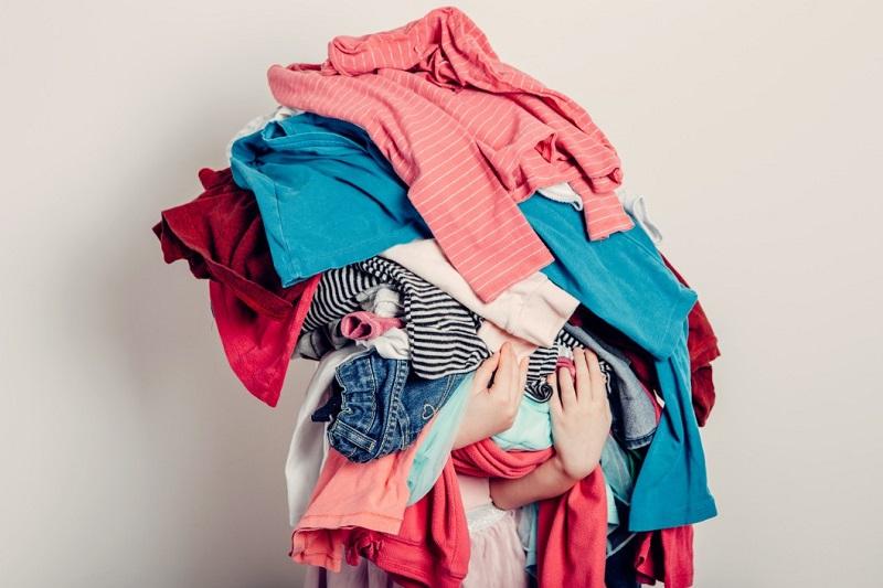 költözés tippek ruhák kiválogatása