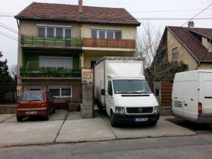 költöztető teherautó bérlés